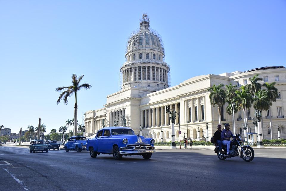 Prendre une bonne assurance voyage et franchir le sol de Cuba